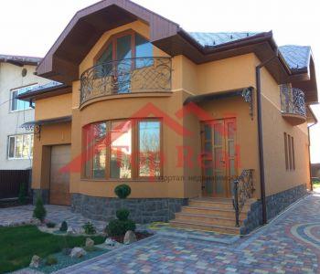 Будинок новобудова в р-ні Росвигово